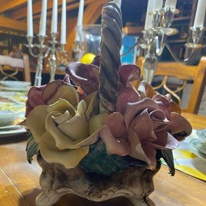 Capodimonte roses basket pink and brown